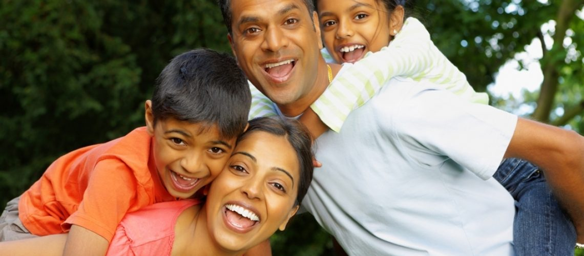 Family_mom_dad_and_children