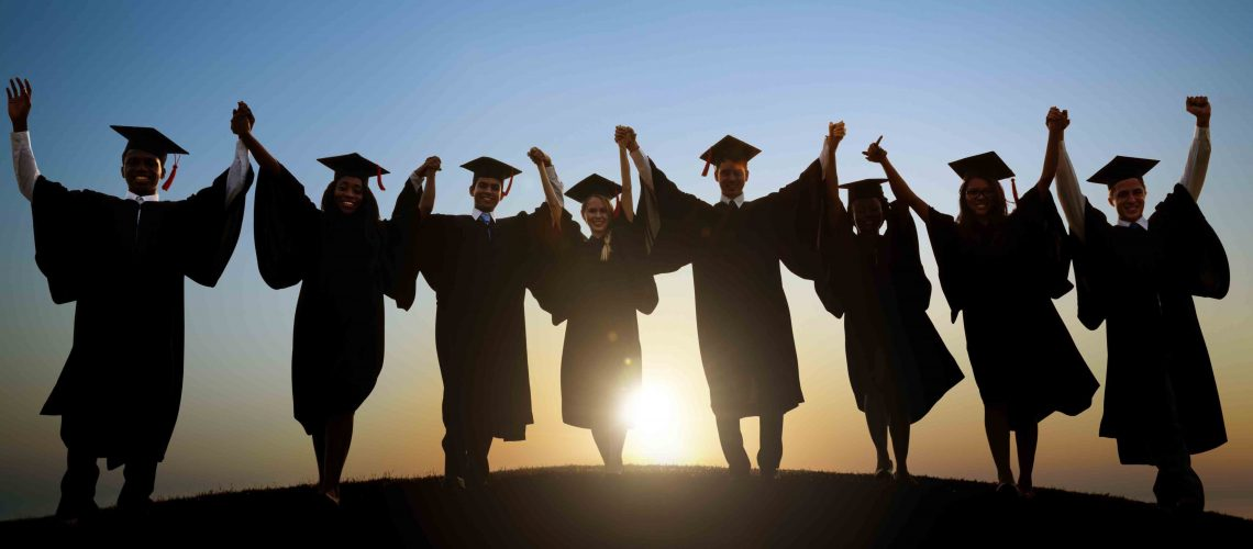 Graduates_holding_hands