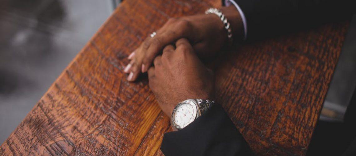 businessman_sitting_at_a_desk