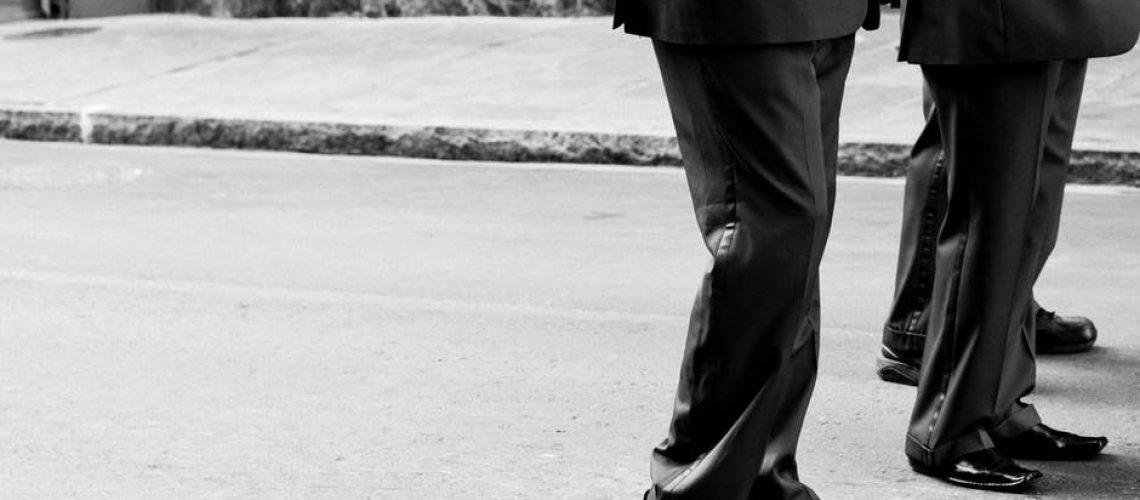 businessmen_walking
