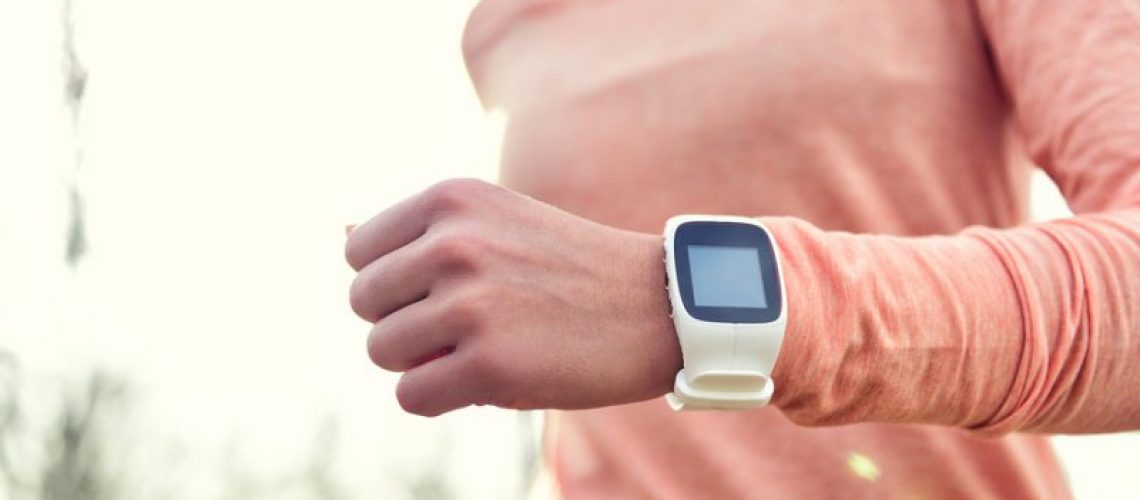 wearable_technology_lady_running